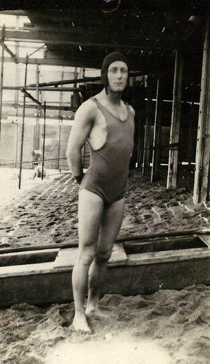 A la plage en 1919