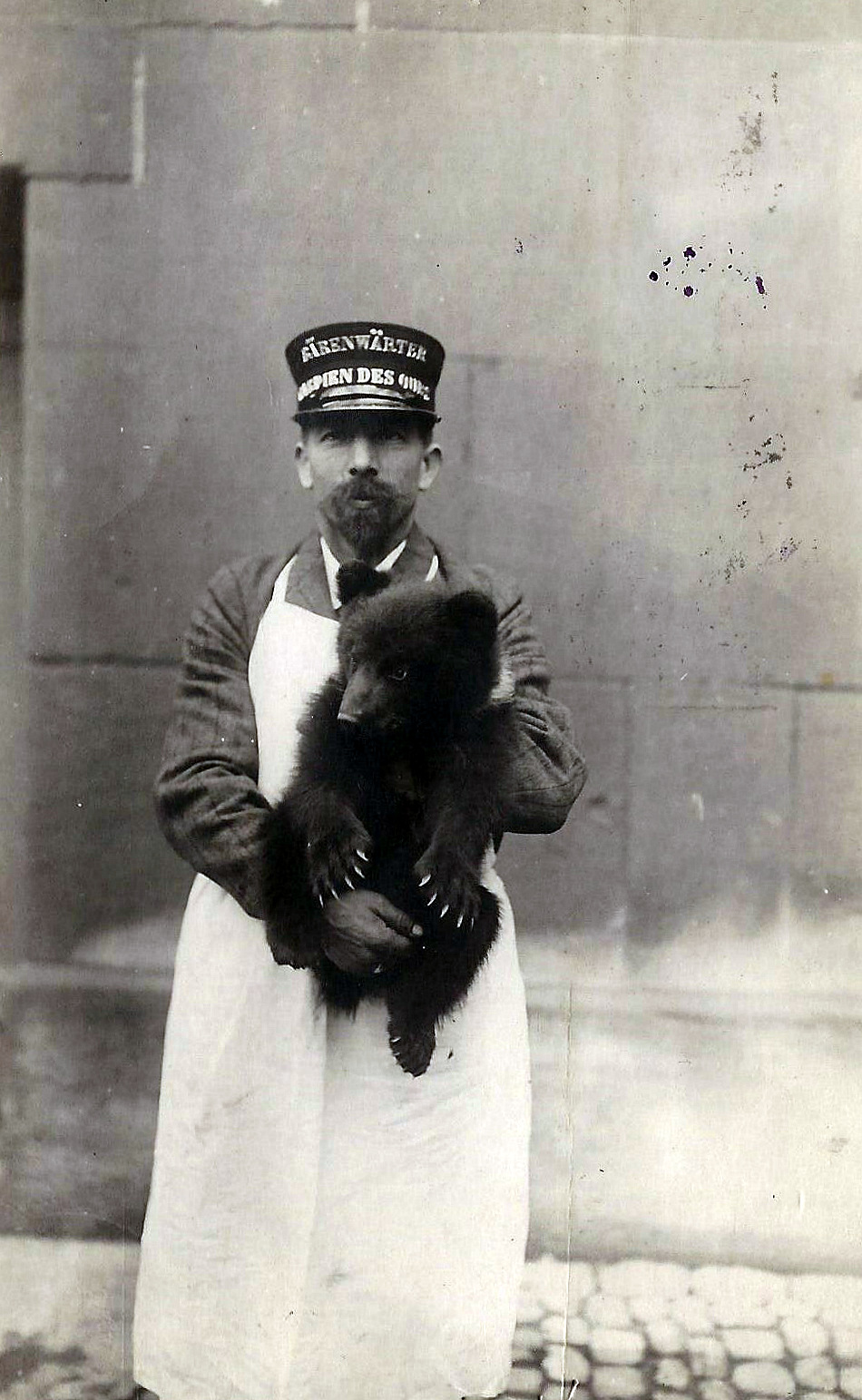 Rudolf Grossenbacher, gardien de la fosse aux ours de Berne