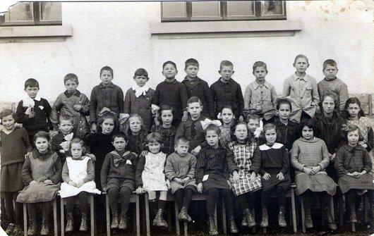Classe primaire de Bercher, 2ème année, 1923-24