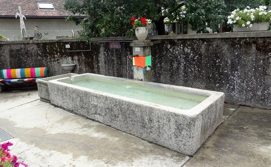 Denens - Fontaine du Village