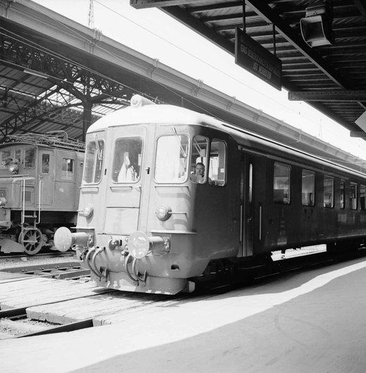 Train en gare de Lausanne