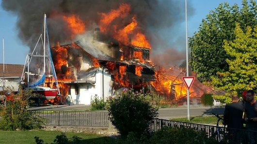 Estavayer-le-Lac - Incendie chantier naval Périsset