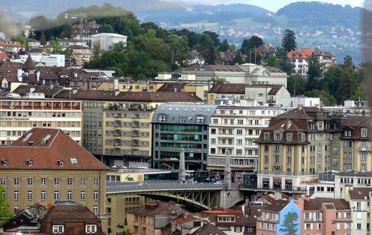 Lausanne - Vue sur le quartier de la Caroline