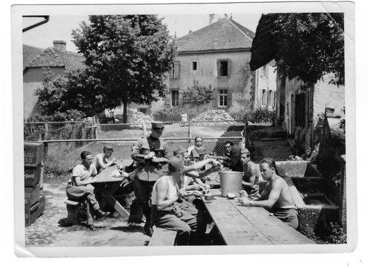 Réfectoire, juin 1940
