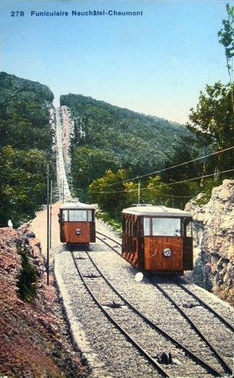 Croisement des voitures du funiculaire de Chaumont, années 1920