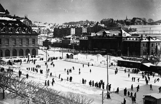 La Chaux-de-Fonds. Place de la Gare en hiver