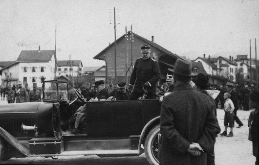 Le village de Laufon et le Général Ulrich Wille