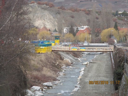 Un pont provisoire