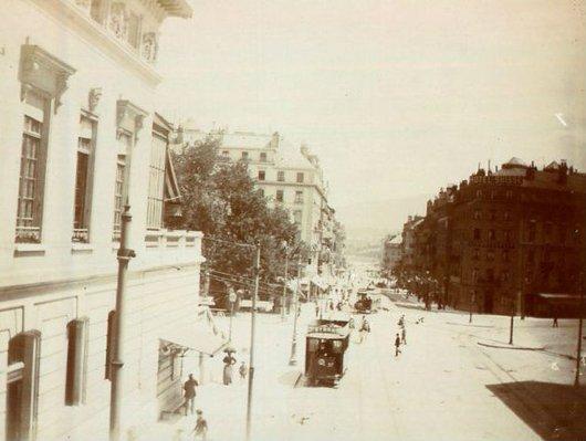 Geneve tram rue du Mont-Blanc