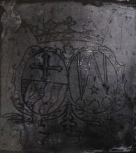 armes Muller Daguet sur le fourneau de la maison a Estavayer le Lac