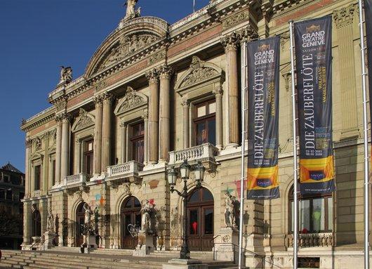 Grand-Théâtre de Genève maculé par des manifestants