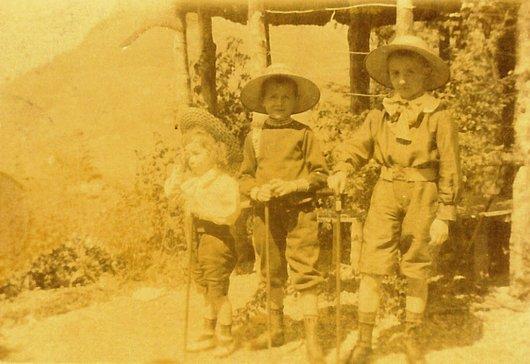 Trois bambins de Glion