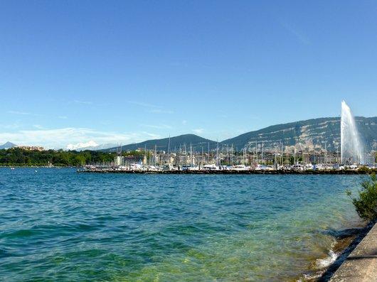 Genève, la rade, le port et le Mont Blanc