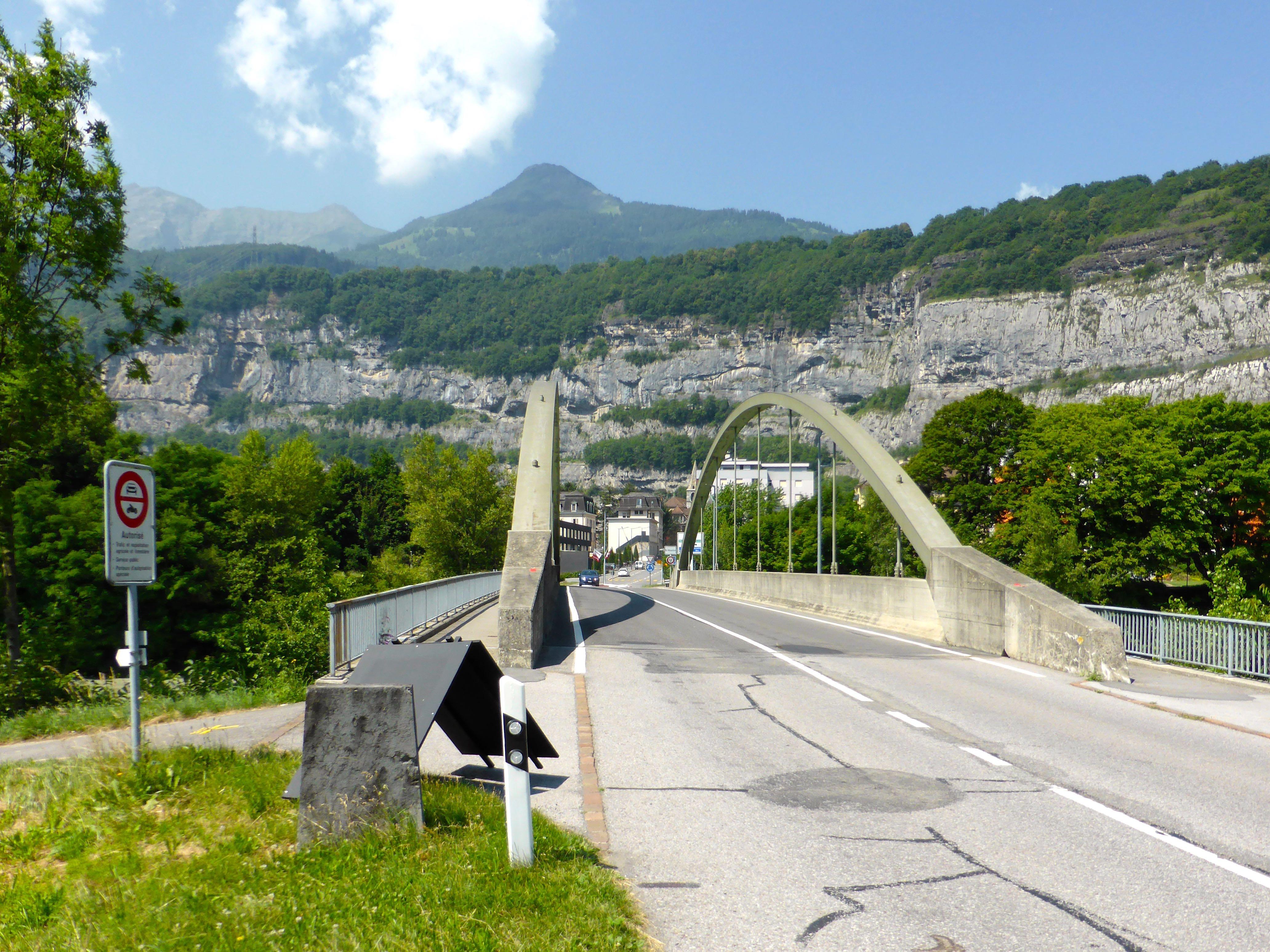 Le Pont de Lavey, historique