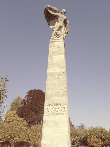 Un monument à la gloire de Ferdinand von Zeppelin_761