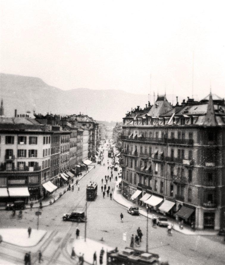 Genève, le Rond-Point de Plainpalais et la Rue de Carouge