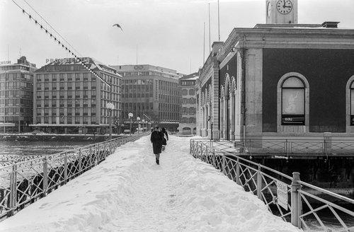 Genève, le Pont de la Machine sous la neige