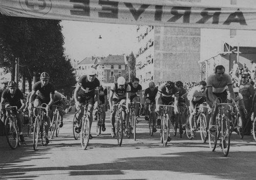 Arrivée du Critérium International à Genève 1935
