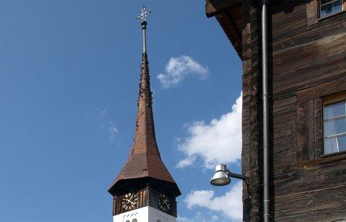 De clocher en clocher dans la vallée de Conches