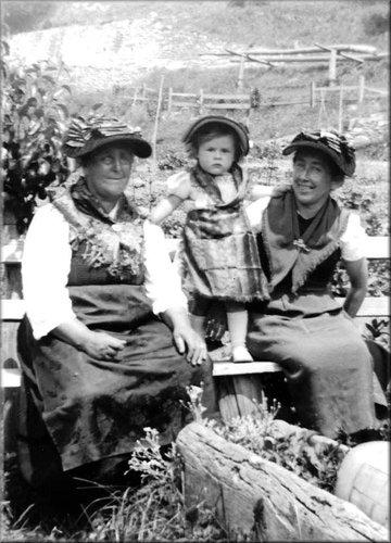 Jeanne, Eliane & Clotilde