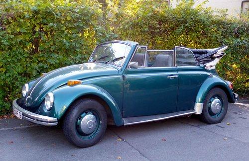VW, une coccinelle cabriolet