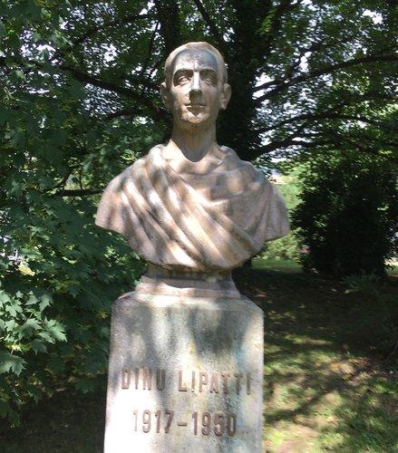Buste de Dinu Lipatti à Chêne-Bourg