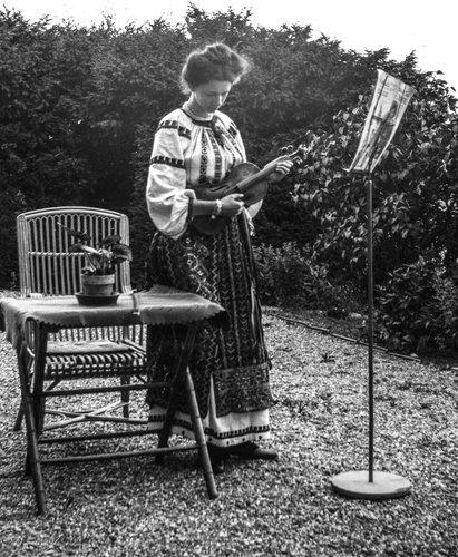 Suzanne au violon