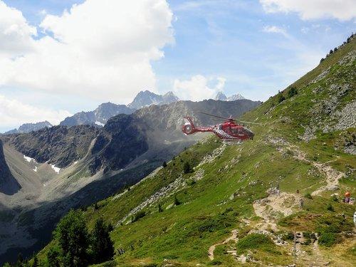 Hélicoptère HB-ZEF à la Breya