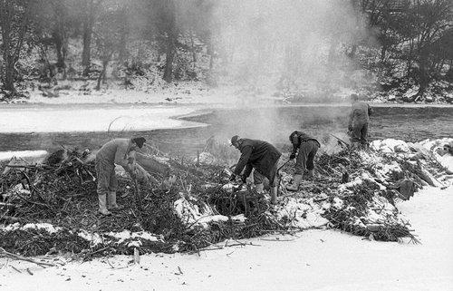 Carouge, des ouvriers au bord de l'Arve