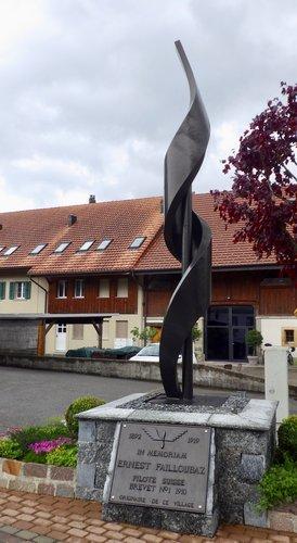 Sculpture de Roger Monney à Vallamand