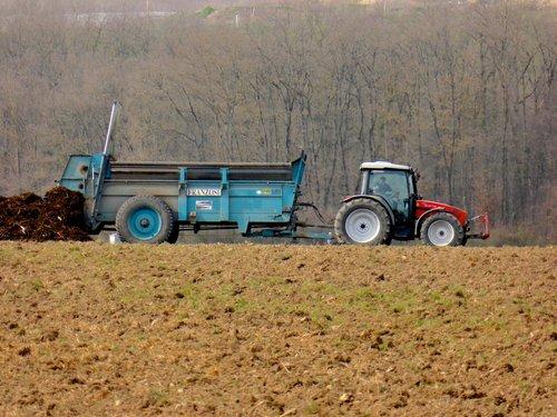 Compostage au bord des champs