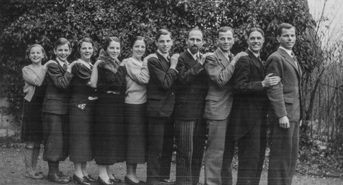 Famille de Franz et Mary Burnand vers 1940