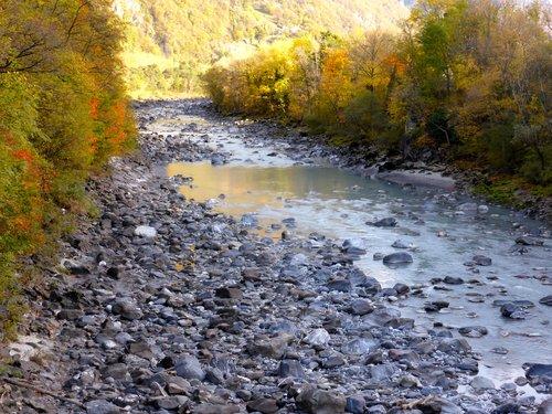Plus d'eau au Rhône