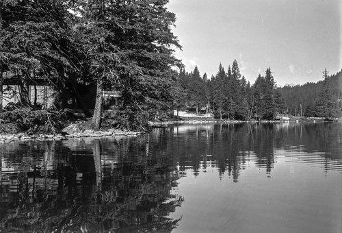 Bord du Lac de Champex