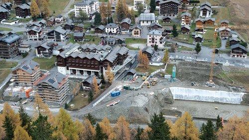 Construction de logements à Zinal
