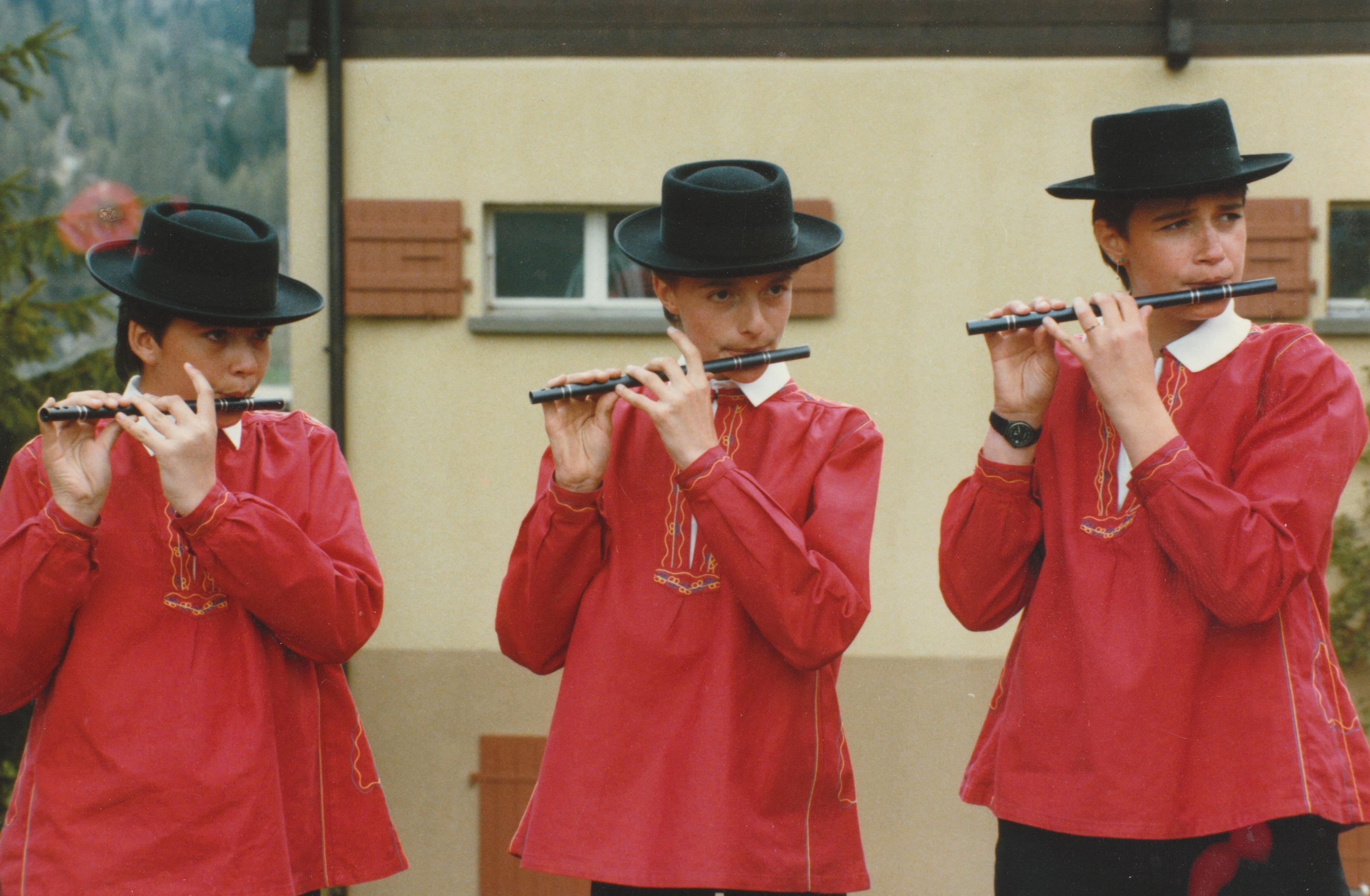 Jeunes fifres et tambours de Grimentz