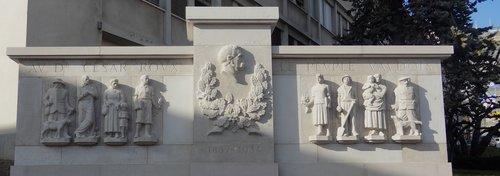 Lausanne - Monument en hommage au Dr César Roux