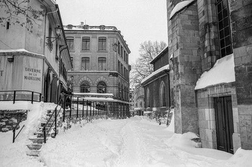 Genève, la Rue de Toutes-Ames sous la neige