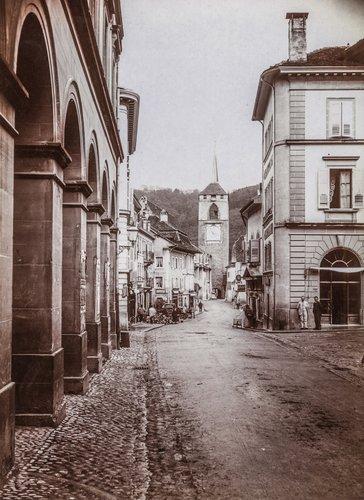 Place de l'Hôtel de Ville et rue du Temple