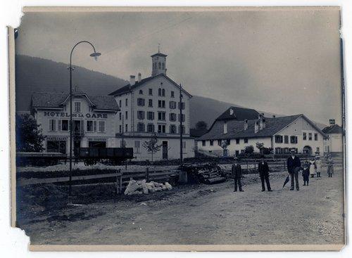 Cortébert : vers 1900 apparition de l'éclairage public