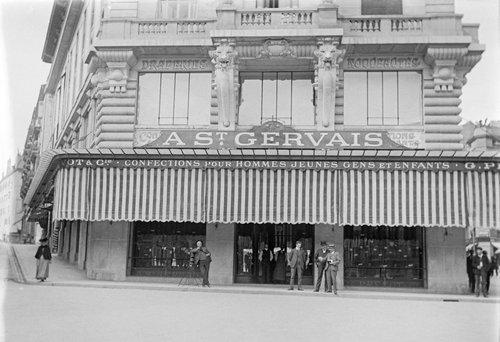 Genève, place de Saint-Gervais, magasin à St. Gervais