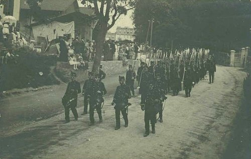 Lausanne Montbenon défilé militaire
