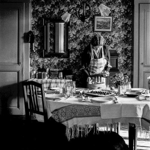 Salle à manger à la maison de Beau Rivage