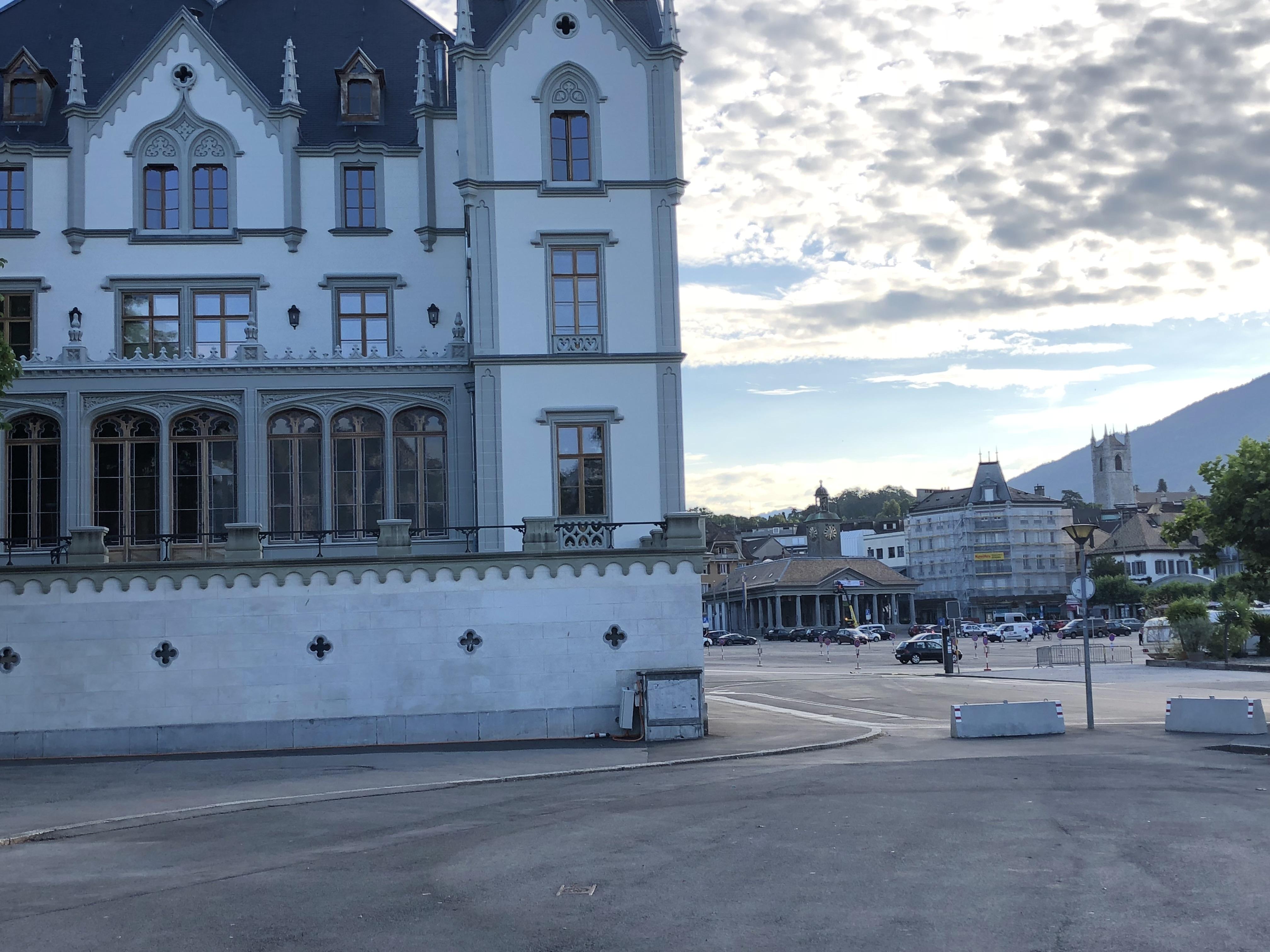 Château de l'Aile et Place du marché
