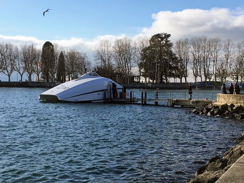 Ouchy - Catamaran « Evian One »