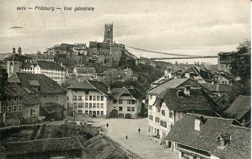 Fribourg - Vue générale sur la place des Forgerons