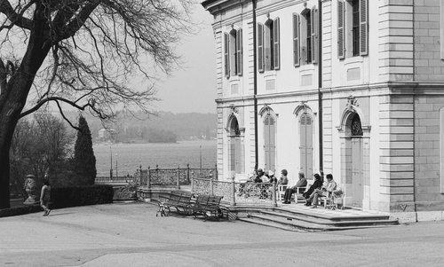 Genève, soleil d'avril au Parc La Grange