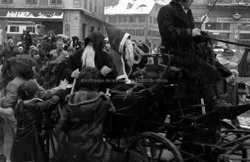 Visite du Père Noël(5). La Chaux-de-Fonds, 1974