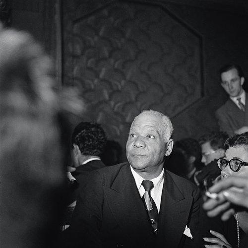 Sidney Bechet dans le foyer du Victoria Hall