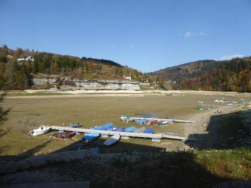 Le lac des Brenets à sec..._759
